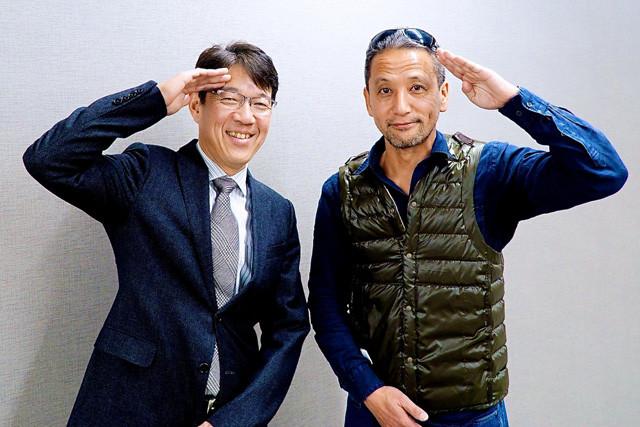 KINTO代表取締役社長・小寺信也氏(左)と自動車ジャーナリスト・小沢コージ