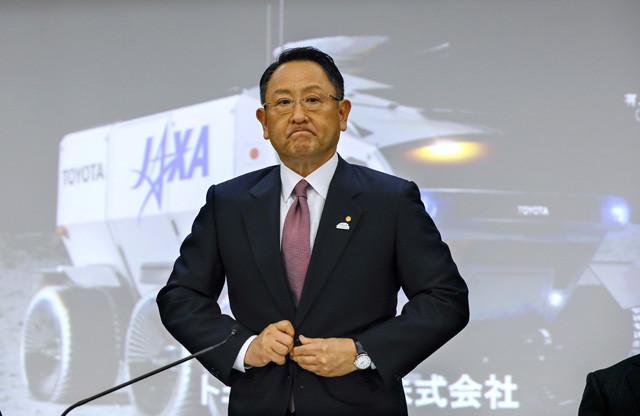 5月8日、トヨタの2019年3月期決算説明会に臨む豊田章男社長。5月13日の「終身雇用はもう難しい」との発言も話題に