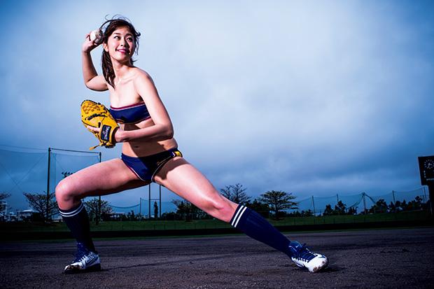 """野球好きタレントで一番になりたい! 稲村亜美が水着で""""神グラビア""""「でもプロ野球選手はやめとけってよく言われます(笑)」 - 週プレ グラジャパ! -GRAVURE JAPAN!-"""
