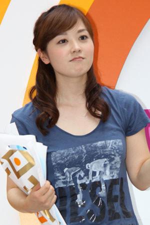 1987年4月10日生まれ、千葉県出身。慶應義塾大学文学部卒業。2010年に日本テレビに入社。オリコン発表の「好きな女性アナウンサーランキング」では5連覇を達成。現在は『スッキリ』などを担当