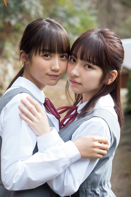 女優・モデルの黒木ひかり(左)とモデル・タレントの十味(右)
