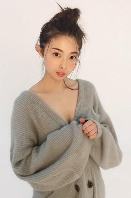 『週刊プレイボーイ』のグラビアに登場した美人美容家・松下侑衣花