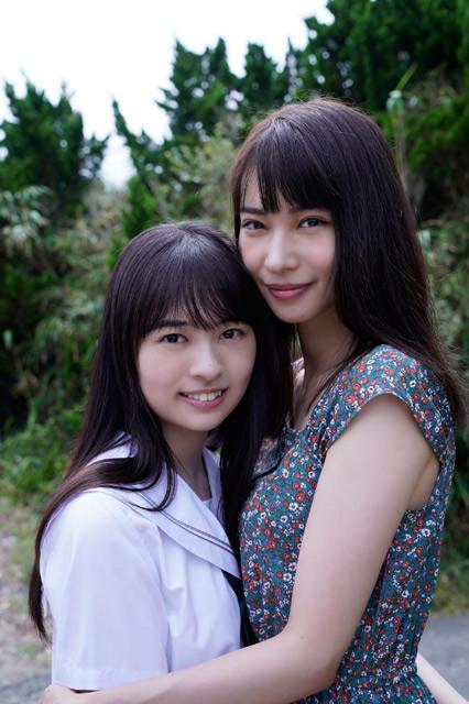 今年のナツ☆イチッ!クイーン、大野ひまりちゃん(左)と、その美しすぎる姉・大野真依ちゃん(右)が『週刊プレイボーイ』のグラビアにそろって登場