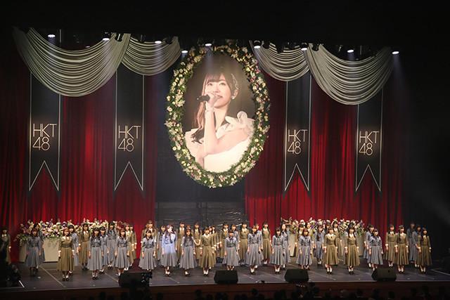 グループの象徴だった指原莉乃が卒業。しんみりしたムードかと思いきや、いつもの元気いっぱいのライブパフォーマンスを披露した新生HKT48