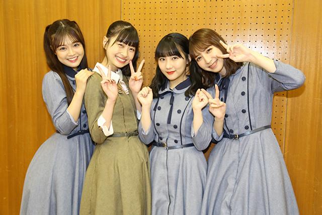 (左から)本村碧唯、松岡はな、田中美久、松岡菜摘