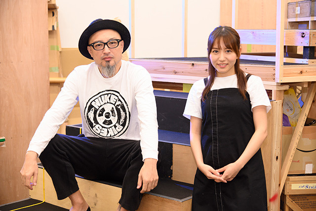 舞台『ハケンアニメ!』主演の大場美奈と、共演者で良き先輩の山内圭哉。16日まで大阪、31日から11月14日まで東京で上演される