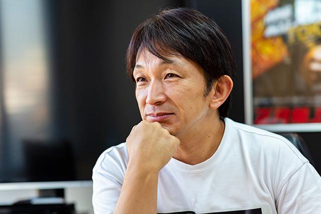 ドニー・イェンの右腕として香港アクションのエッセンスを吸収した谷垣監督。その成果は日本映画にも還元されており、アクション監督を務めている映画『るろうに剣心』シリーズの大迫力のチャンバラアクションは、彼なくしてありえない