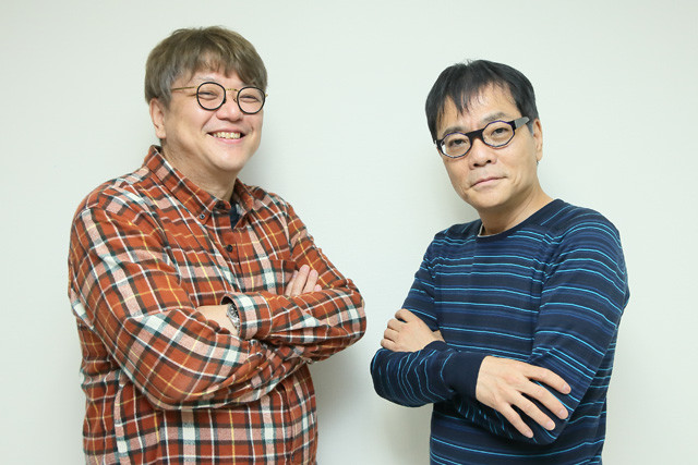 いとうせいこう氏(右)が出演する映画『脳天パラダイス』について、角田陽一郎が聞く