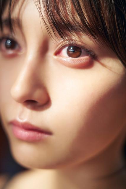 デジタル写真集『WHITE ALBUM〜Re:Birth〜』(撮影/岡本武志)より
