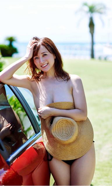 デジタル写真集『34 ―AYAKA KOMATSU 2006~2020―』(撮影/熊谷貫)より