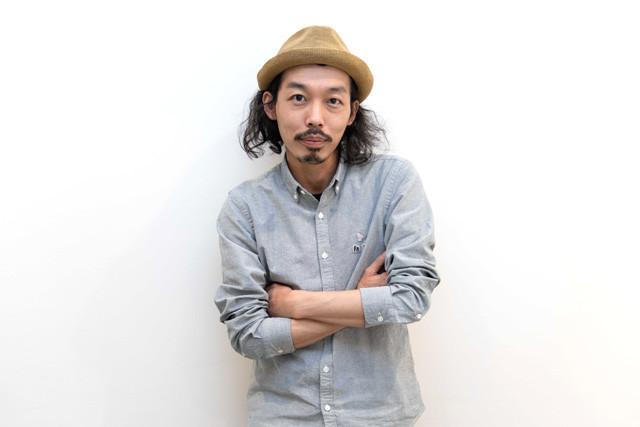 『100日間生きたワニ』で監督・脚本を務め、『カメラを止めるな!』でもおなじみの上田慎一郎監督