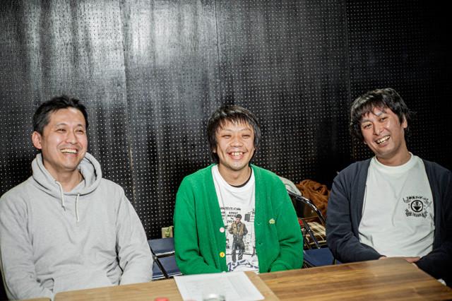(左から)や団のロングサイズ伊藤、本キ間ッド、中嶋亨