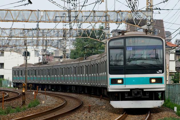 半自動ドアなど追加されず、基本的に東京〜高尾間で運用されるらしい(写真は千代田線時代)