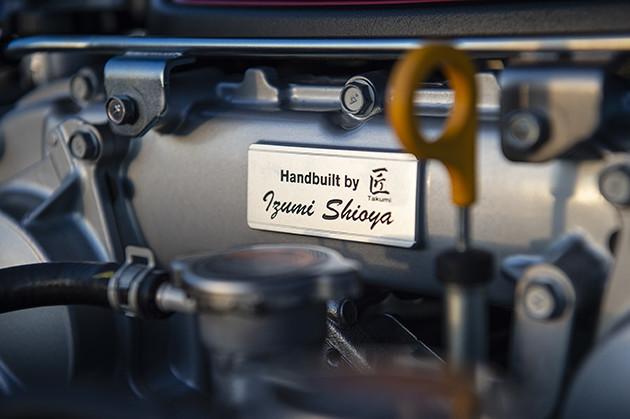 GT3の車両技術を採用した最新型のターボチャージャーを搭載。ちなみにエンジンは5人の選ばれし、熟練工によって組み立てられるのだという