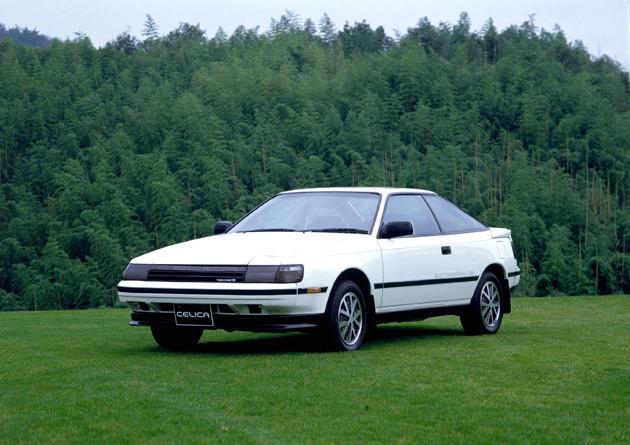 トヨタ セリカ。4代目セリカは1985年に誕生。このモデルからFFとなる。WRC参戦でも話題に