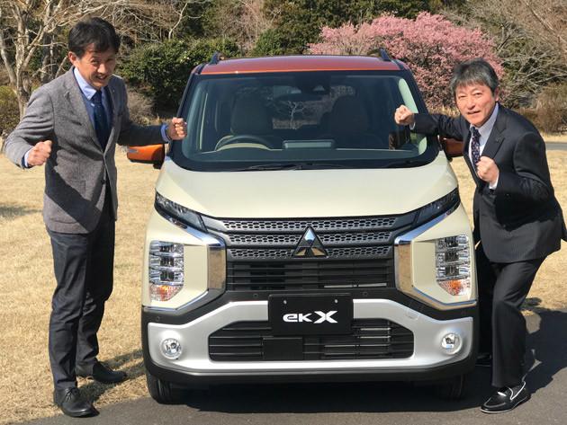 3月28日に販売開始となったeKクロス。気合いの入ったポーズで「このクルマを必ず売ります!」と高らかに宣言する、チーフ・プロタクト・スペシャリストの吉川 淳氏(右)とプログラムデザインダイレクターの松延浩昭氏(左)