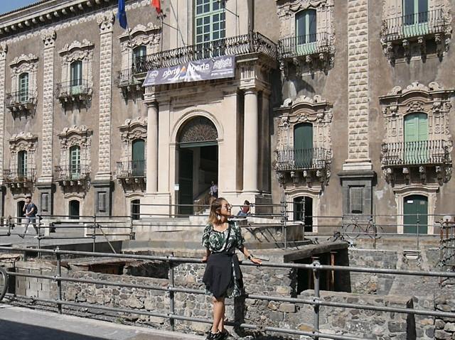 カターニアを代表するバロック様式の建築のひとつ「サン・ニコロ・ラレーナ・ベネディクト修道院」