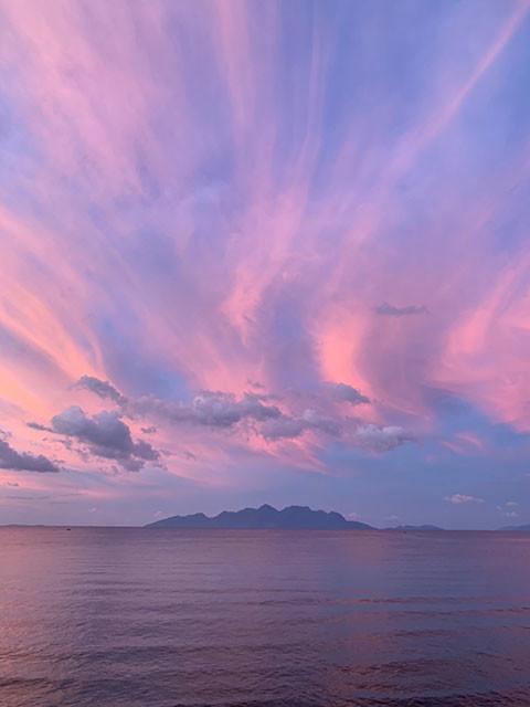マウメレのサンセットは世界で見た中でも美しく、水色からオレンジのグラデーションやピンクに変化していく空が印象的だった