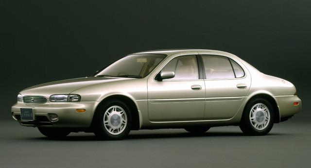 絶版国産セダン・ベスト1に輝いたのは日産「レパード J.フェリー」。この3代目は1992年から1996年まで販売。V8エンジン搭載モデルも存在した