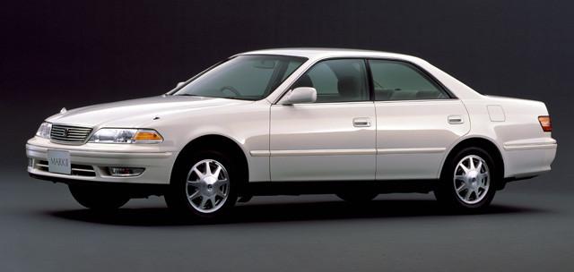 【2位】トヨタ「マークⅡ/チェイサー/クレスタ」1968年から2007年まで販売。現在はマークXに名前を変えている