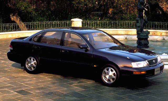 【7位】トヨタ「アバロン」 1994年に北米デビュー。翌年、初代モデルが日本に登場