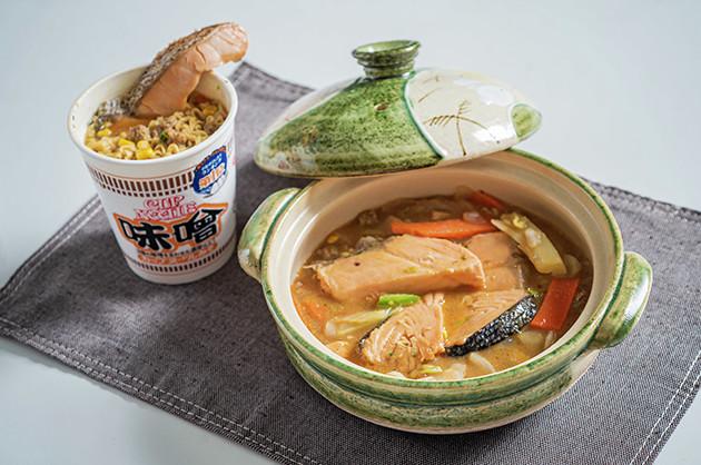(4)完成!「味噌ヌードルで作った石狩鍋」