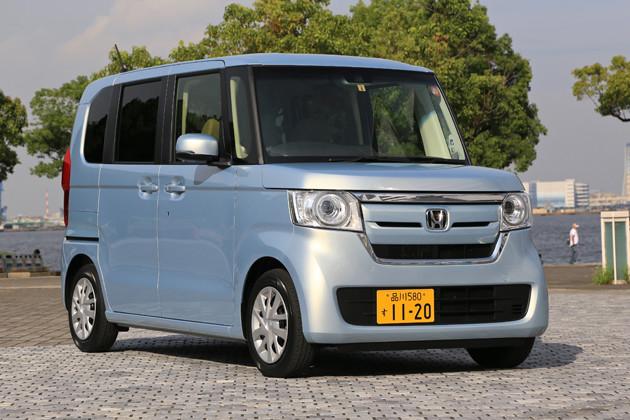 問答無用の人気を誇る新国民車、ホンダN‐BOX。今秋にマイナーチェンジのウワサも。値引きは10万円以上を狙える。価格141万1300円~212万9600円