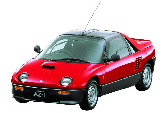 10位「ABCトリオ」マツダ「AZ-1」1992年デビュー。ガルウイングドアを採用。エンジンはスズキのアルトワークスに搭載の直3ターボだった