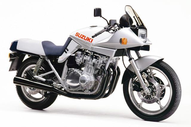 スズキ「GSX1100S KATANA」。1981年に海外で発売。当時の日本には排気量750㏄を上限とする自主規制があったため発売されず