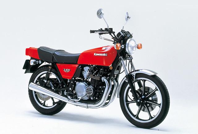 カワサキ「Z400FX」。1979年にデビュー。中型二輪として大ヒットした。DOHCを採用し、男どもをたぎらせた