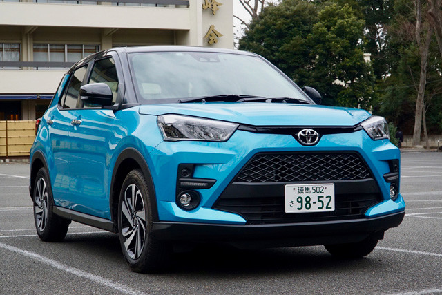 2位 トヨタ「ライズ」価格:167万9000~228万2200円、目標値引き:18万円。発売は昨年11月。7月の国内新車販売ランキングは5位と好調。姉妹車ロッキーも大人気だ