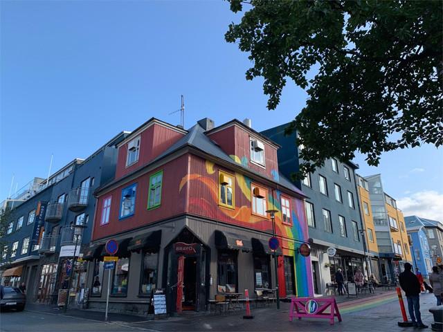 2010年より同性婚が認められている。街中にはたくさんのレインボー