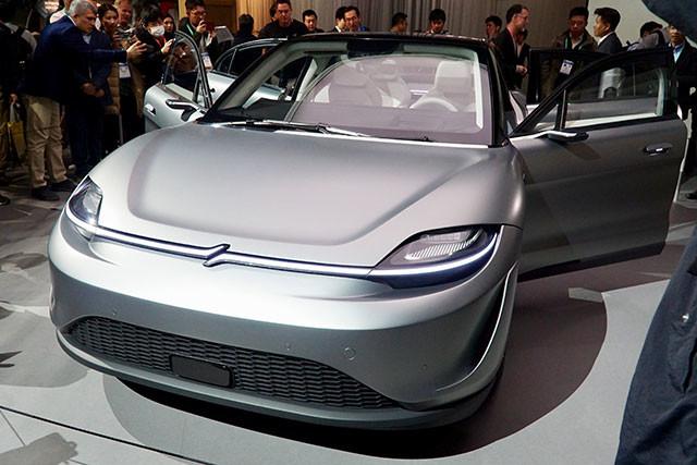 ソニーVISION−S。現時点では、この自動運転EVを販売や製造する計画は一切なく、あくまでも試作車という位置づけだが、世界中の注目を集めた
