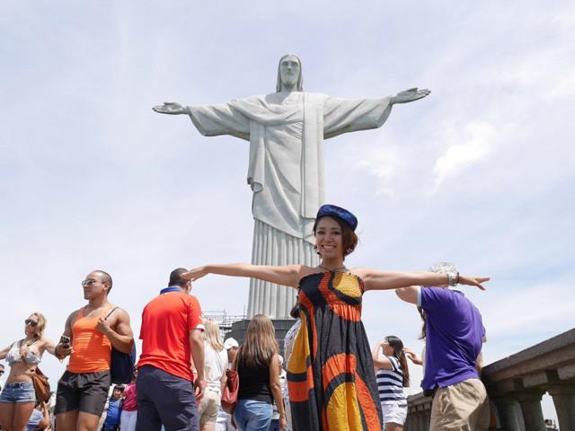 ブラジルはコルコバードの丘から「はい! 肉ざんまい!」