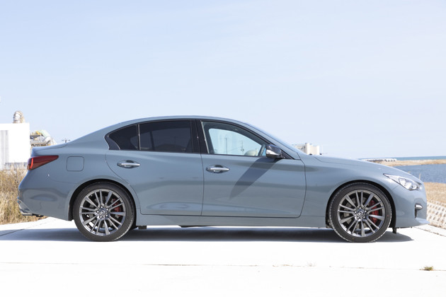 海外では日産の高級ブランド「インフィニティ」から、Q50セダンとして販売中。ライバルは欧州の高級車勢だ