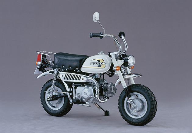 Z50J(1974年) ツーリング性能を大きく向上させたモデルとして一世を風靡。待望のリアサスが装備された