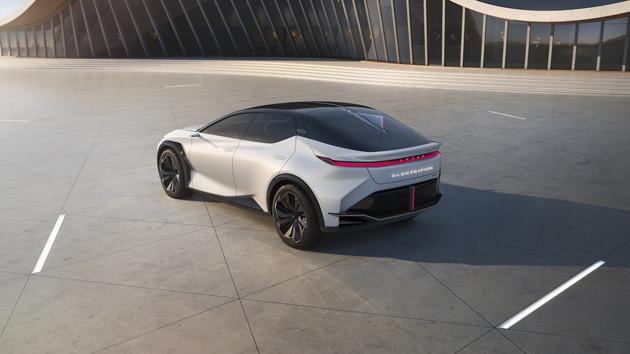 2025年までに実現を見据えた新EVのコンセプトモデルLF−Zエレクトリファイド」。レクサスらしいデザインが超絶進化している