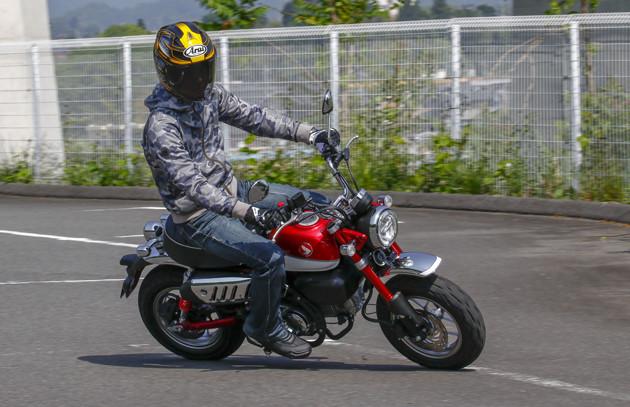 モンキー125 価格:40万7000〜44万円 発売:2018年7月 50ccの神バイクだったモンキーの後継モデルとして2018年に登場したのが、原付二種のモンキー125だ