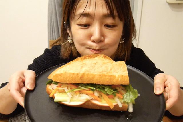 日本でそろえた食材で、旅人流バインミー !