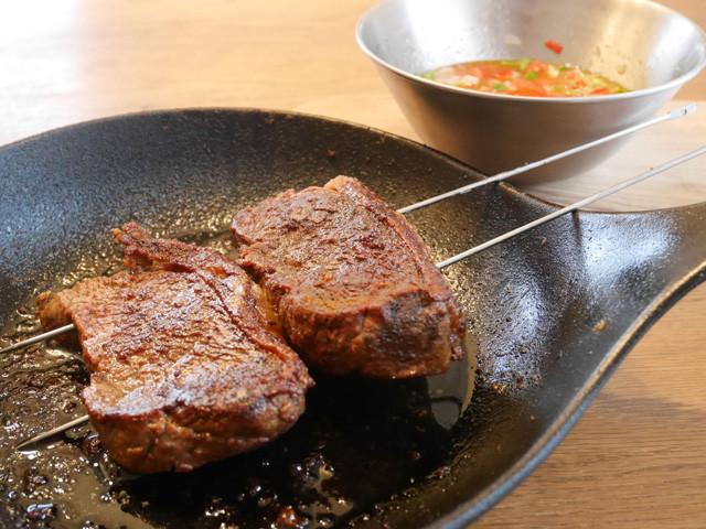 焼き過ぎてカッチカチのお肉