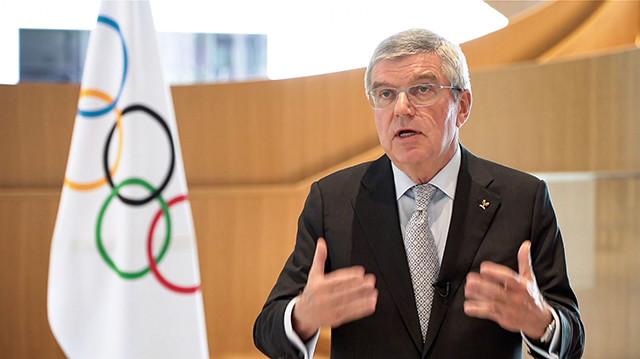 IOCのバッハ会長は「(安倍首相との協議では)延期の費用については話題にしなかった」とコメント