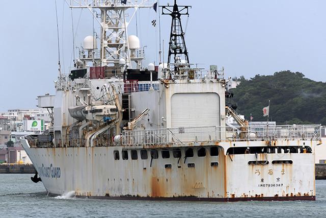海保巡視船の「真っ白に青いライン」のイメージとかけ離れた、錆びついた船体