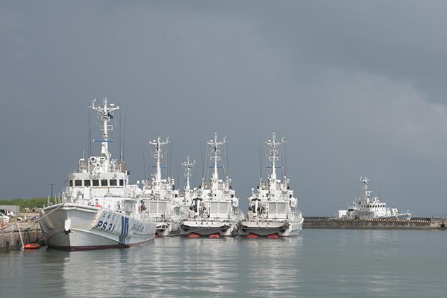 8月16日、宮古島の長山港には、何事も無かったように海保の巡視船が6隻停泊していた