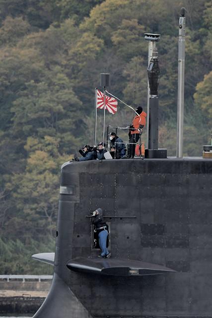 ここに写っているサブマリナー(潜水艦乗組員)たちが、今日も海中の最前線で戦い、日本を守っている