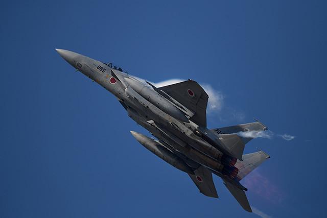 40年以上日本を守るF‐15イーグル戦闘機。現役とOBのパイロットに話を聞いた
