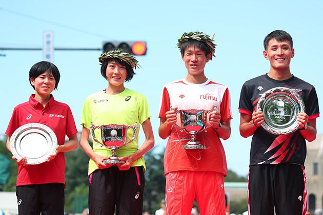 昨年9月のMGCで東京五輪のマラソン日本代表に内定した、(左から)女子の鈴木と前田、男子の中村と服部