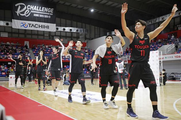 入国の遅れで外国籍の選手ふたりを欠いて開幕戦を迎えた東京だが、日本人選手の奮闘もあって川崎に勝利した