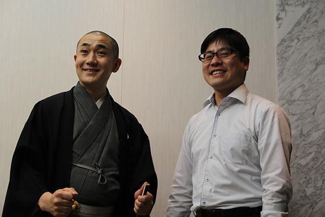 落語家・古今亭文菊(左)と認知科学者の野村亮太
